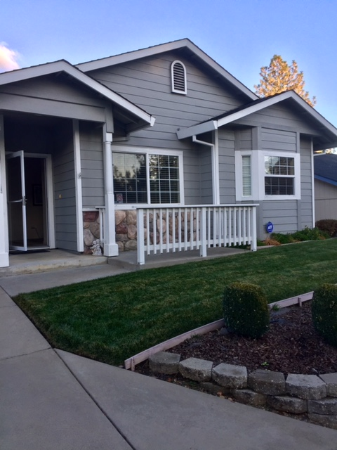Coming Soon! Great 2 Bedroom 2 Bath Starter Home! Looking to downsize this one is easy maintenance. Local Views and close to Downtown Placerville! Stainless kitchen appliances. Master bedroom has 2 closets with separate tub and shower and outside deck access.