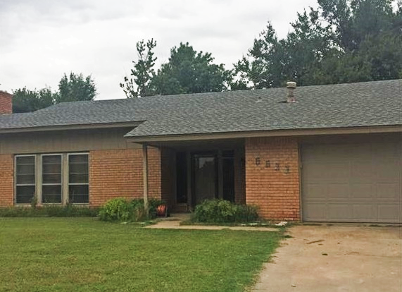 """A great bargain in a great neighborhood! The house has a large living area with a gas fireplace and another large living area with a wet bar. 2 dining rooms. Kitchen has stainless steel appliances. Move in ready! Great house for entertaining. House backs up to the green belt and walking distance to the neighborhood pool. Home is sold """"as is"""" """"motivated seller"""""""