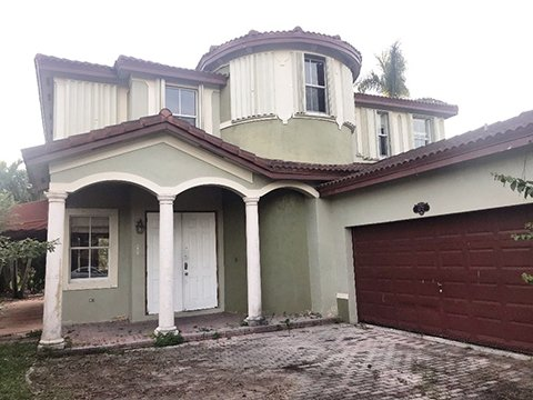 Waterfront 2 story single family home. Get it before it hits the MLS.