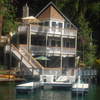 Lake Front home 3 bedrooms 1 bedroom loft, and 3 baths  **Now provides all Linens and Paper Products** Rents FRIDAY TO FRIDAY only NO Pets NO Smoking