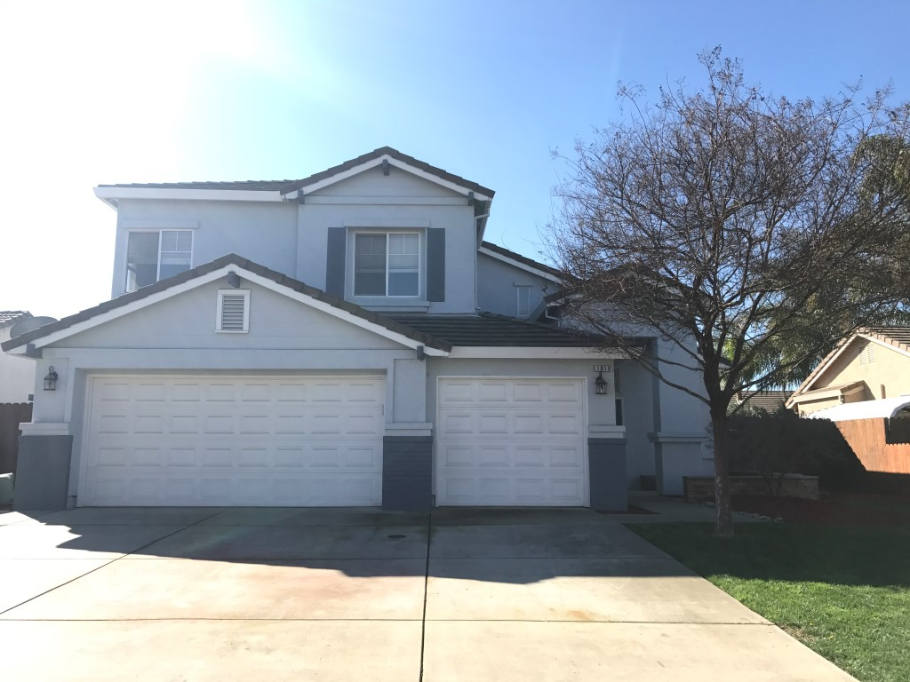Rent $1700 Deposit $1700 1810 Woodland Hills (W Olive Ave, Santa Fe Dr, Left on Buhach, Right on Lake Ridge, left on Augusta, Left on Woodland Hills) 2,167 sq ft, 2 story house, one bedroom is downstairs Kitchen, living room, dining room, laundry hook ups, landscaped front and back, attached garage. YARD CARE INCLUDED  . Term:   1 year To obtain a credit application, click on APPLICATION Tab Above.  Credit Check required = $20 processing fee per applicant (Payable by cashiers' check or money order) All tenants are required to obtain renters insurance of at least 50K prior to signing lease. FOR MORE INFORMATION – CALL GONELLA PROPERTY MANAGEMENT AT (209)383-6277!  Gonella Realty Inc. DBA Gonella Property Management CalBRE#01103054