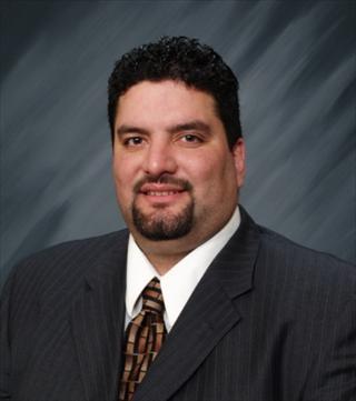 Eduardo Macias