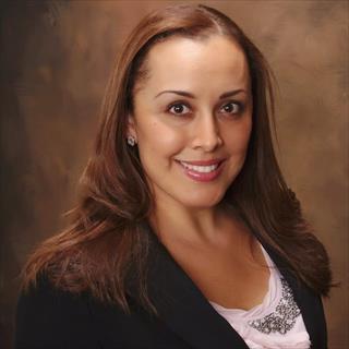 Iris Saenz