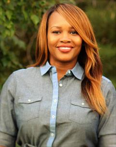 Ebony  Blount